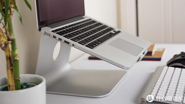 一个极简主义者的桌面:输入设备、音响及其它